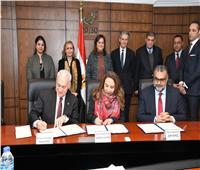«التخطيط » توقع بروتوكولي تعاون مع جامعة كينجز البريطانية والجامعة الأمريكية