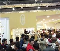 صور| إقبال كبير على جناح الأزهر في ختام معرض الكتاب