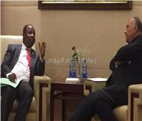 وزير الخارجية يبحث تطوير العلاقات الثنائية مع نظيره البوروندي