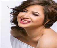 فيديو  بعد القبض عليها.. «حماقي» يتغزل في منى فاروق