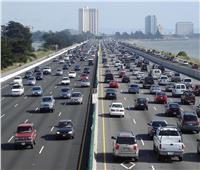 المرور تقدم نصائح لقائدي السيارات على الطرق السريعة.. تعرف عليها