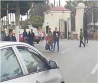 صور|  إجراءات أمنية مشددة مع عودة الدراسة بجامعة القاهرة