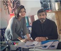 شاهد| ياسر جلال يتضامن مع منى فاروق بصورة و«تعليق»