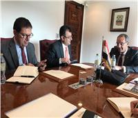 وزير الاتصالات يبحث إقامة مراكز لشركات عالمية بمصر