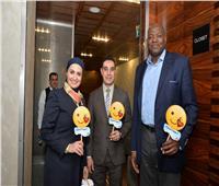 صور..مصر للطيران تحتفل مع عملاءها بعيد الحب