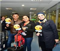 مصر للطيران تحتفل مع الركاب «بعيد الحب» في مطار القاهرة