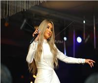 صور| مايا دياب تستعين بـ«الهضبة» في حفل «عيد الحب»