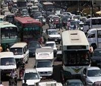 كثافات مرورية متحركة على غالبية المحاور والميادين في القاهرة والجيزة
