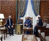 الإمام الأكبر: التعليم الأزهري هو باعث نهضة مصر الحديثة