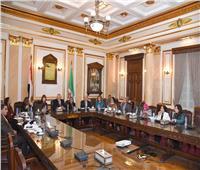 رئيس جامعة القاهرة يلتقي مديرة المجلس الثقافي البريطاني في مصر