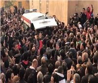فيديو وصور| هتافات ضد الإرهاب وزغاريد بجنازة شهداء حادث الدرب الأحمر