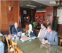 وزير الري يستعرض تطوير واجهات نهر النيل وإزالة التعديات
