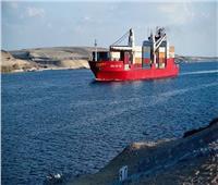 عبور 45 سفينة قناة السويس بحمولات 3.8 مليون طن