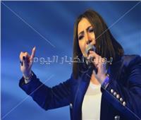 صور| بوسي تشعل حفل «داون تاون» ببورسعيد