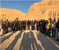بالصور | وزيري الآثار والسياحة يشهدان تعامد الشمس على تمثال رمسيس الثاني