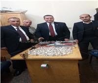 ضبط 7 كجم مشغولات فضية وأحجار كريمة مع عراقي بالمطار