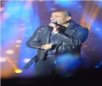 50 صورة| عمرو دياب يضيء سماء أكتوبر بحفل جامعة مصر