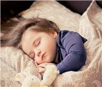 كيف تساعدي طفلك على النوم الجيد؟