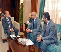 نصار يبحث مع شركة بروكتر أند جامبل خططها لزيادة استثماراتها بالسوق المصري