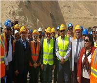 بالصور  تفاصيل رحلة «وزير الخير» على أرض فوسفات أبو طرطور