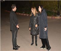 صور| دنيا وإيمي سمير غانم وعلي ربيع يشاركون في عزاء والدة مصطفى خاطر