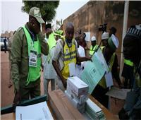 مرشح المعارضة بنيجيريا يطلب وقف إعلان نتائج انتخابات الرئاسة