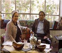 دلال عبدالعزيز تدفع عادل إمام للزواج من فتاة صغيرة