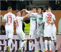 شاهد| أوجسبورج يمنح بايرن فرصة صدارة الدوري الألماني بفوزه على دورتموند
