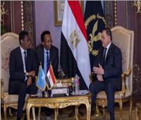 وزير الداخلية يستقبل نظيره بجمهورية الصومال الفيدرالية