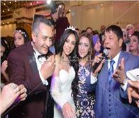 صور| عبد الباسط حمودة وشذى ودينا يحتفلون بزفاف «أحمد وهيا»