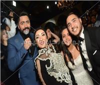 صور| تامر حسني يحتفل بزفاف «أحمد وهاجر»