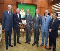 رئيس جامعة المنوفية يستقبل وزير الخارجية الأسبق