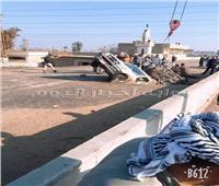 انهيار جزئي لكوبري «الكسارة» بالشرقية بسبب تصادم سيارة نقل