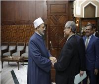 الإمام الأكبر: الأزهر حريص على دعم سنغافورا في جميع النواحي التعليمية والدعوية