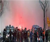 اشتباكات عنيفة بين جماهير برشلونة وليون قبل مواجهة الليلة