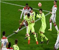 ليون يهاجم برشلونة بـ«ديمبيلي وممفيس وفقير»