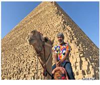 بالصور| أسطورة الملاكمة «مايك تايسون» يزور الأهرامات