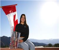 شاهد| الكندية ذو الـ 18 ربيعًا تبهر عشاق التنس بقهرها بطلات العالم