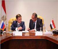 وزير الاتصالات يبحث مع نظيره الروسي تعزيز التعاون المشترك