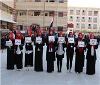 محافظ شمال سيناء يكرم عدد من الأمهات المثاليات في التربية والتعليم وأسر الشهداء