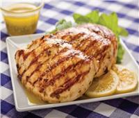 طبق اليوم طريقة عمل «صدور الدجاج المشوي بالنعناع والزيتون»