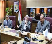 محافظ جنوب سيناء يناقش قضايا التقنين واسترداد حقوق الدولة
