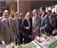 محافظ أسيوط يطالب الشباب بتبني مشروع زراعة أسطح المنازل
