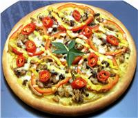 خطوات بسيطة لعمل بيتزا بالكبدة
