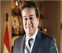 «عبد الغفار» يستعرض تقريرا حول تمويل مشروعات بحثية بجامعتي طنطا وبني سويف