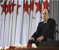 فيديو| لحظة تقديم الرئيس الجزائري عبد العزيز بوتفليقة استقالته