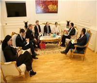 صور.. وزير التعليم العالي يبحث مع سفيرة فنلندا تعزيز التعاون بين البلدين