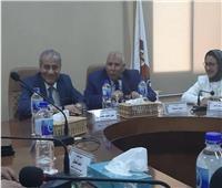 وزير التموين يتفقد معرض السلع الغذائية وبيع اللحوم بالوادي الجديد