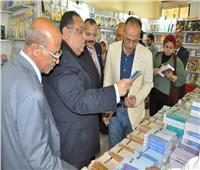 رئيس جامعة حلوان يفتتح معرض «الكتاب» بكلية الخدمة الاجتماعية