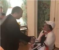 فيديو| الرئيس يستجيب لطلب مصرية مصابة بالسرطان للقائه بواشنطن